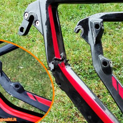 telaio-mountain-bike-carbonio-danneggiato